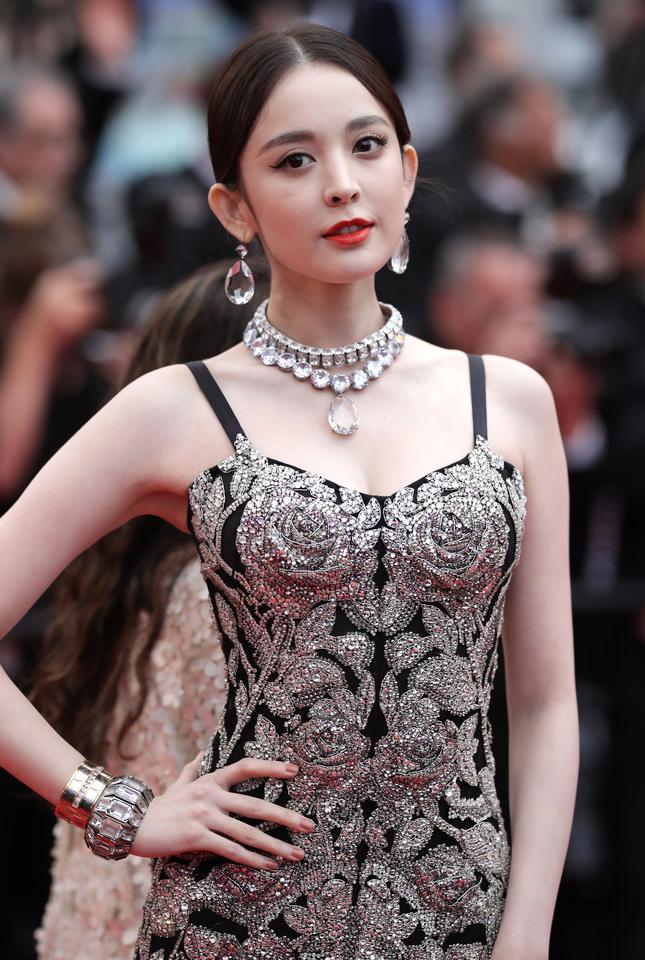 Gulnazar Actress