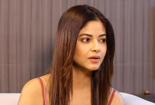 Meera Chopra Age, Height, Weight, Family, Education, Movies, Sister, Net Worth & Affairs