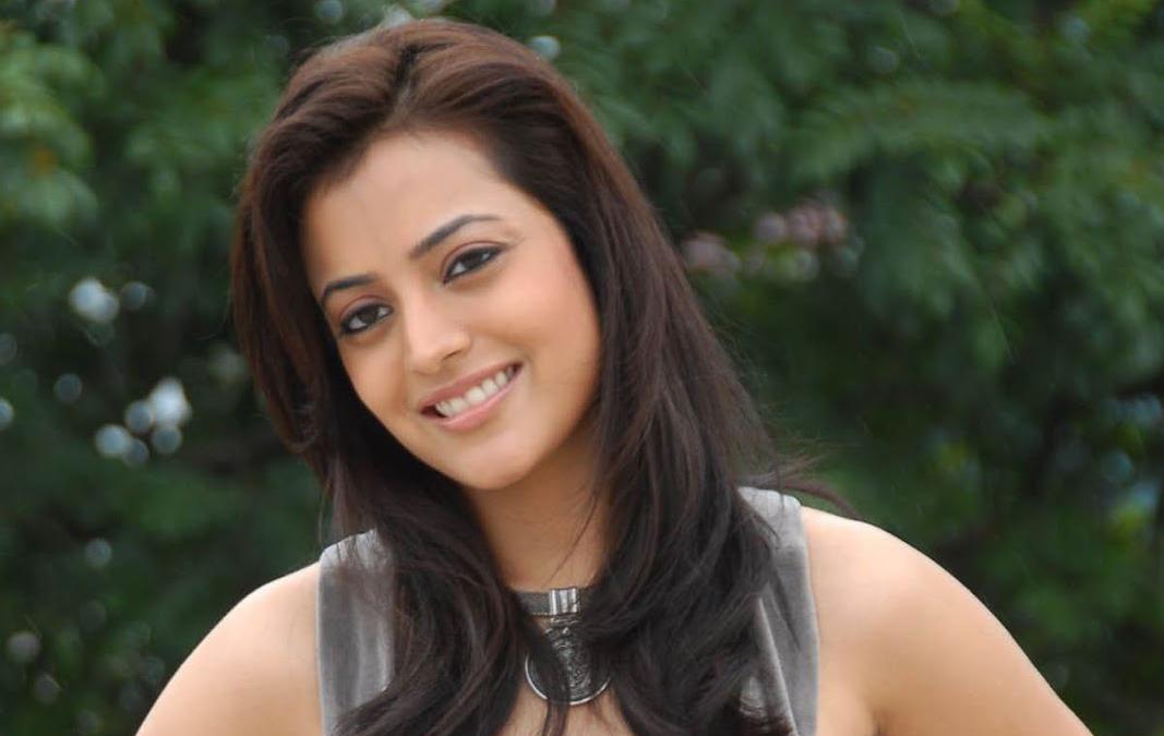 Nisha Aggarwal Age, Bio, Wiki, Height, Weight, Sister, Movies, Husband, Net Worth, Kids & More
