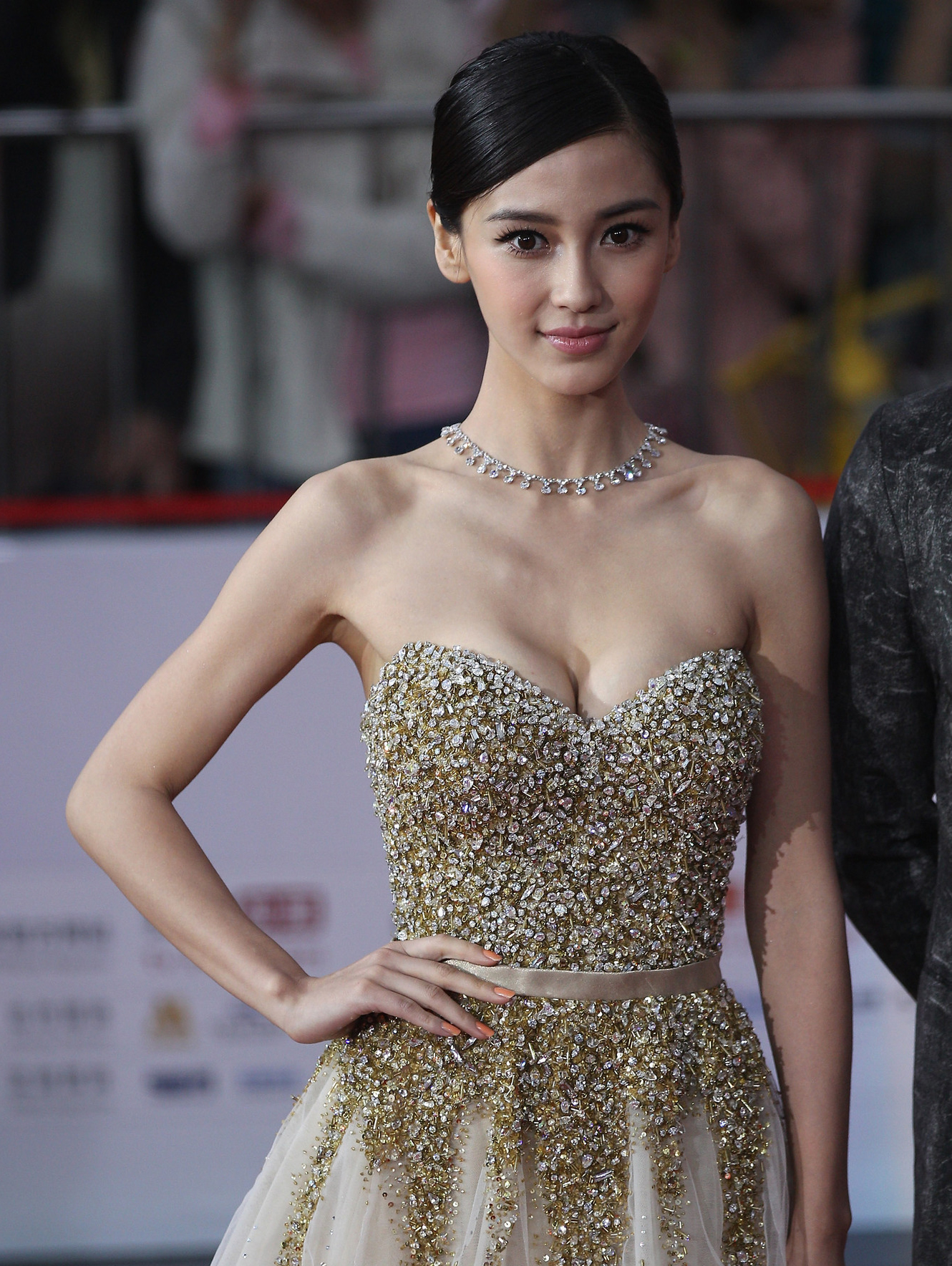 Top Most Beautiful Chinese Models List 2019