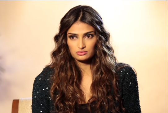 Athiya Shetty Family, Father, Mother, Brother, Bio, Net Worth & Movies
