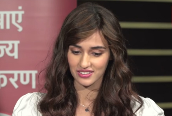 Disha Patani Biography, Age, Height, Movies, Family, Sister, Father & Wiki