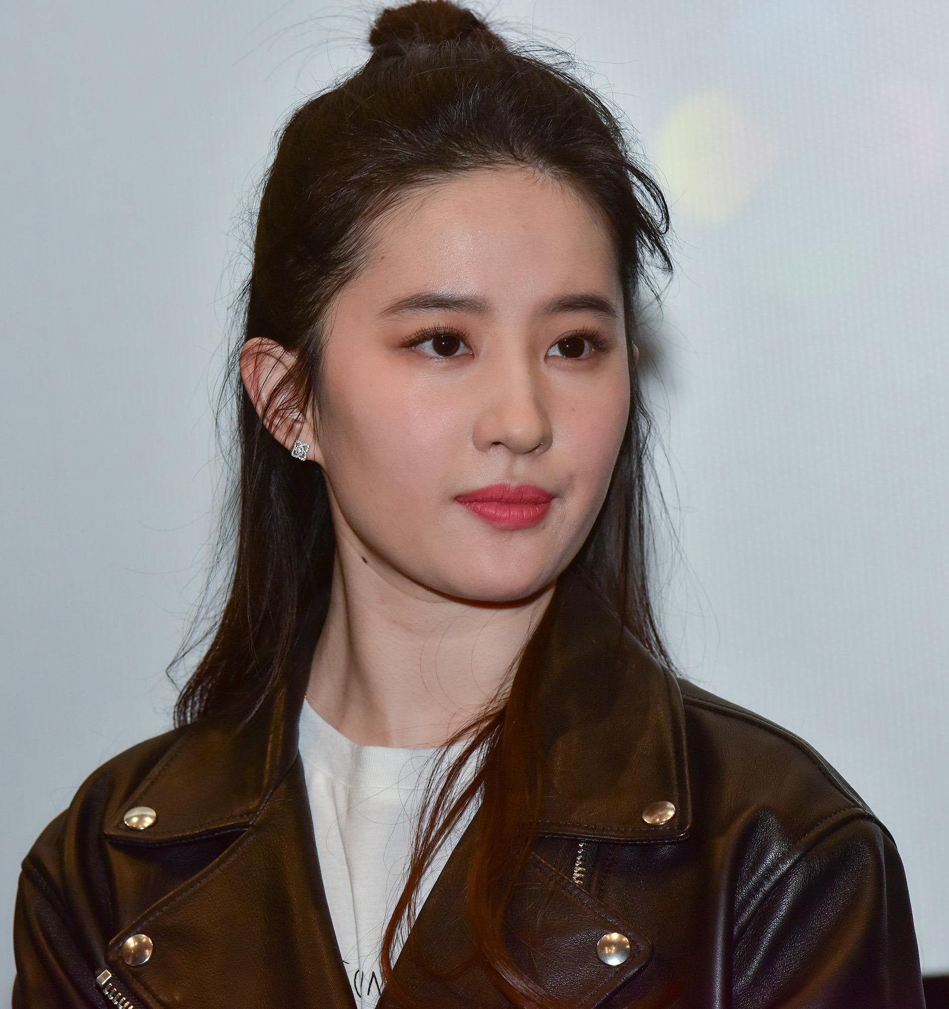 Beautiful Model Liu Yifei