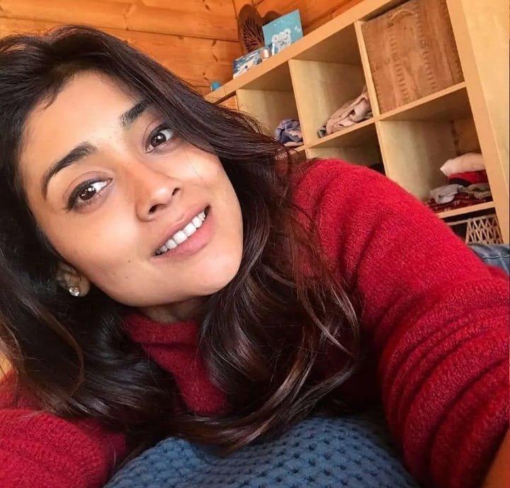 Shriya Saran Telugu Actress