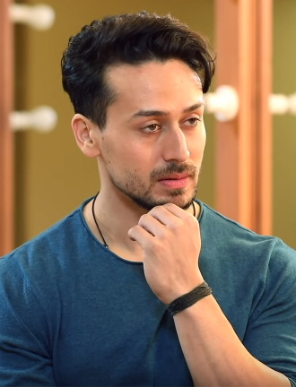 Tiger Shroff Net Worth, Family, Age, Height, Father, Wife, Mother & Sister