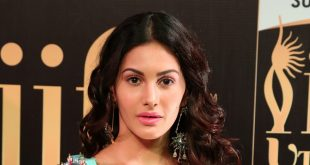 Indian Actress Amyra Dastur Beautiful Photo