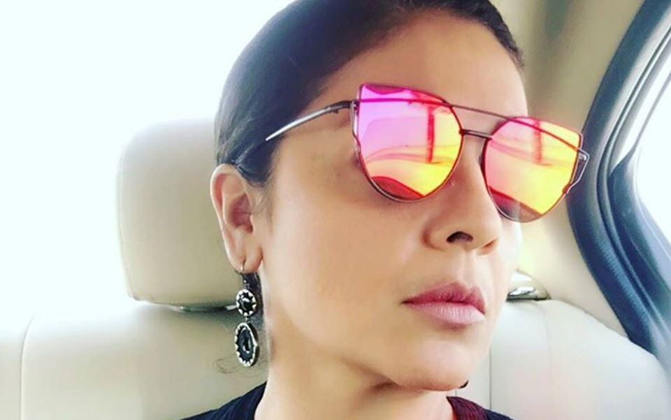 Pooja Bhatt Age, Husband, Family, Biography, Net Worth, Movies, Lifestyle & Facts