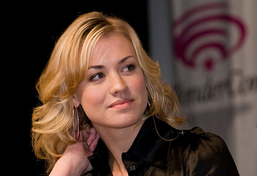Yvonne Strahovski Husband, Baby, Son, Height, Age