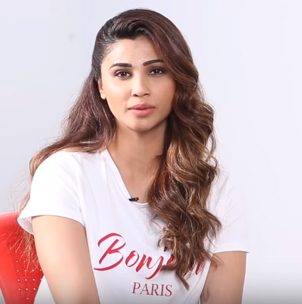 Daisy Shah Net Worth Age Height Movies House Family Marriage Daisy brown started her twitter account with the basis of her and her monster 'alan', and how she on july 18th, daisy brown posted a video to youtube of her feeding what apparently was alan. daisy shah net worth age height