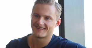 Alexander Ludwig Handsome Canadian Actor