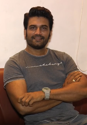 Sharad Kelkar Net Worth, Age, Height, Weight, Wife, Daughter & Brother