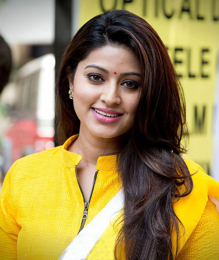 Sneha Age, Height, Weight, Family, Husband, Son, Bio, Wiki & Net Worth