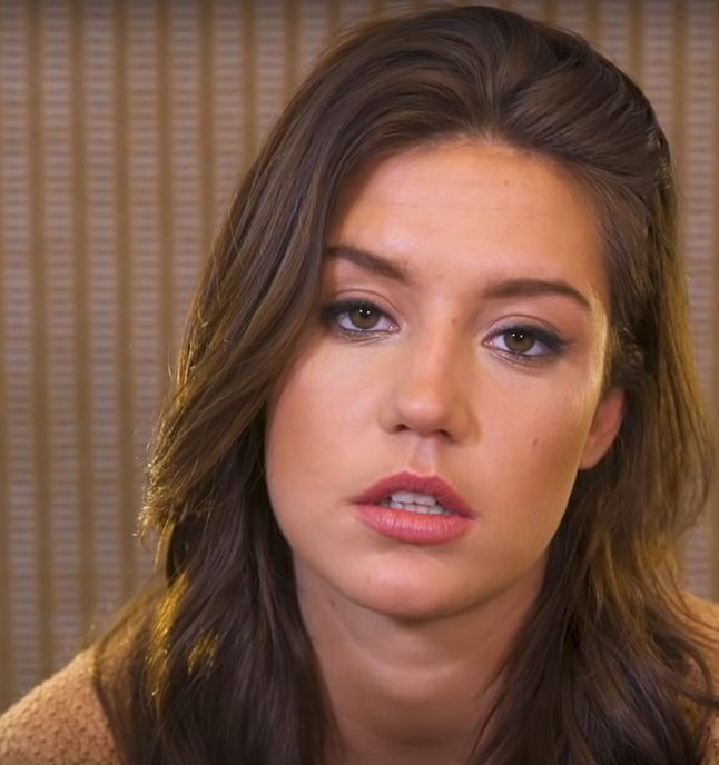 Adèle Exarchopoulos Age, Height, Weight, Partner, Son, Family, Bio & Wiki