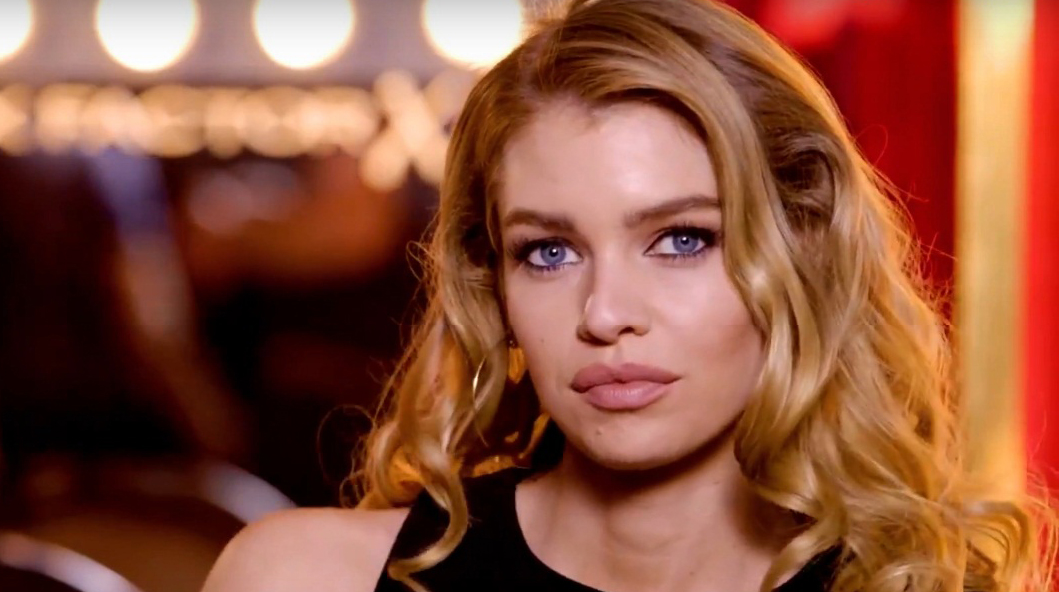 Stella Maxwell Net Worth, Age, Height,Girlfriends, Parents, Siblings & Wiki