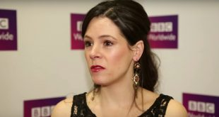 Elaine Cassidy Husband, Kids, Family, Net Worth, Age, Height & Career