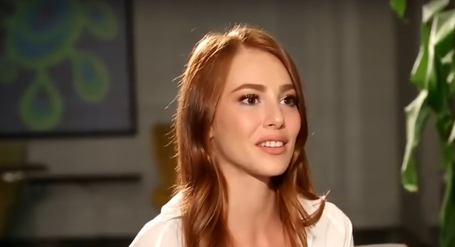Elcin Sangu Beautiful Turkish Actress