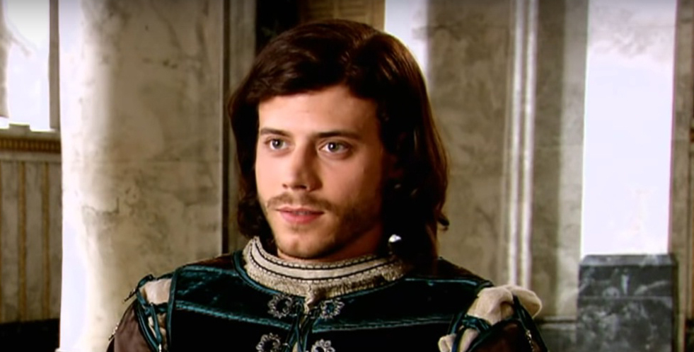 Francois Arnaud Age, Height, Biography, Wiki, Family, Career, Movies, TV Shows, Net Worth & Boyfriends
