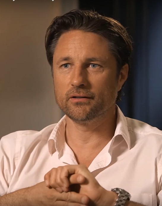 Martin Henderson Age, Height, Biography, Wiki, Family, Net Worth & Movie