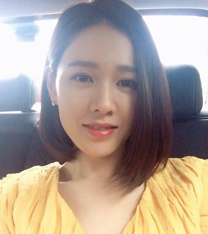 Son Ye Jin Gorgeous Look