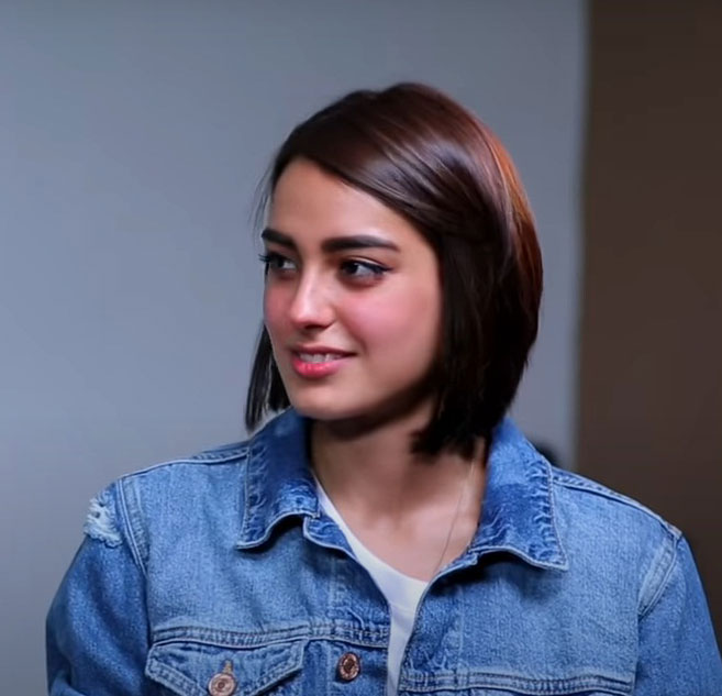 Iqra Aziz Famous Young Pakistani Girl