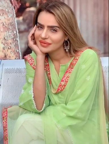 Nousheen Syed - Famous Pakistani TikTokers