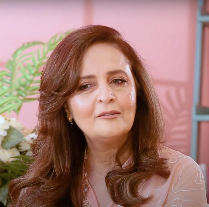 Hina Khawaja Bayat Age, Husband, Daughter, Son, Family, Sister & Bio