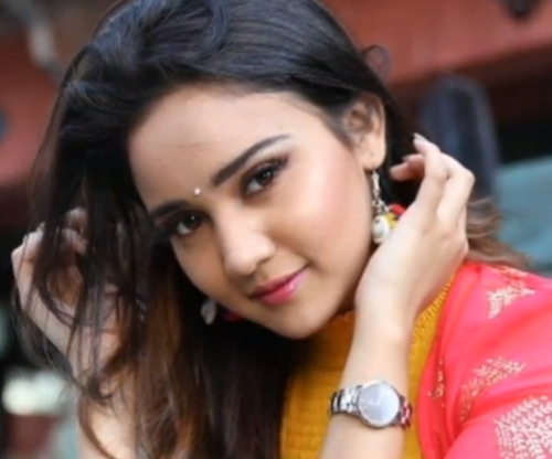 Ashi Singh Age, Wiki, Biography, Career, Family, Sister, Height, Movies, Television, Awards & Net Worth