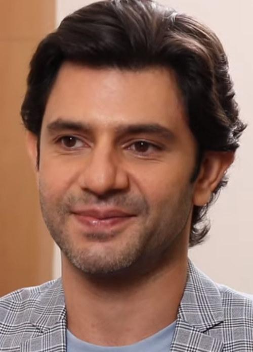 Arjun Mathur Age, Wiki, Biography, Career Debut, Family, Education, Wife, Movies, TV Shows & Net Worth
