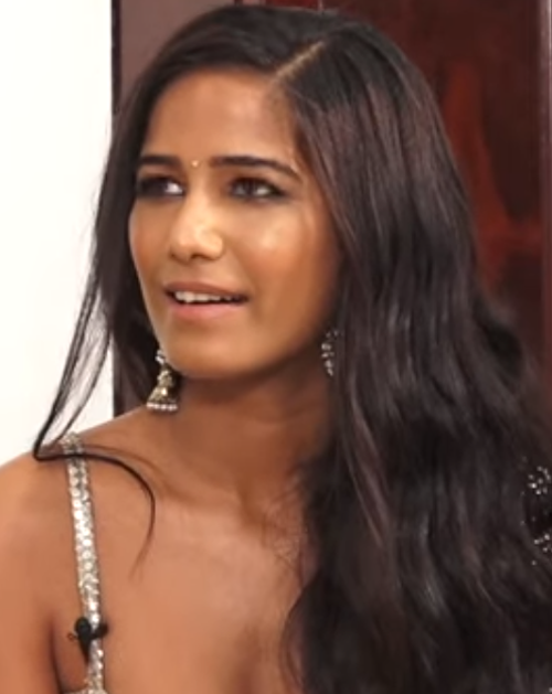 Poonam Pandey Age, Wiki, Biography, Family, Education, Career Debut, Movies, Television, Awards & Net Worth