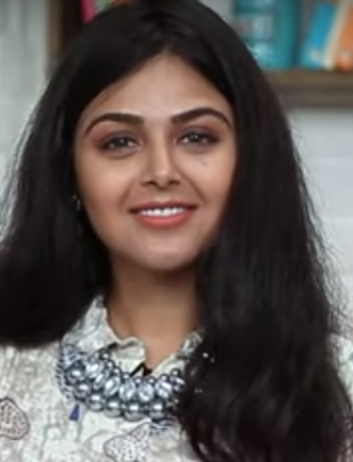 Monal Gajjar Age, Biography, Family, Education, Wiki, Career Debut, Movies, TV Shows, Height & Net Worth