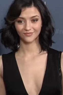 Katie Findlay Age, Wiki, Family, Biography, Education, Career, Movies, TV Shows, Husband, Height & Net Worth