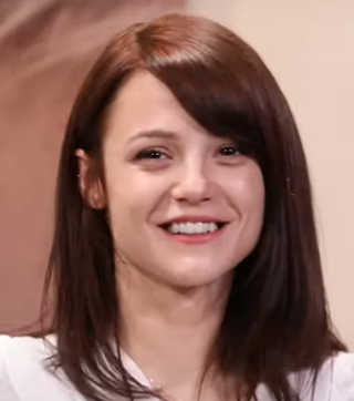 Kathryn Prescott Age, Wiki, Family, Biography, Education, Career Debut, Movies, TV Shows, Awards & Net Worth