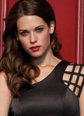 Lyndsy Fonseca Age, Biography, Family, Wiki, Education, Career, Movies, TV Shows, Husband, Awards & Net Worth