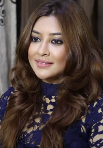 Payal Ghosh Age, Biography, Family, Wiki, Education, Career, Movies, TV Shows, Height, Awards & Net Worth