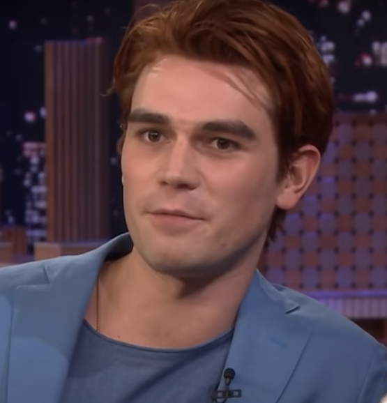 KJ Apa Age, Biography, Family, Wiki, Education, Career, Movies, TV Shows, Wife, Height, Awards & Net Worth