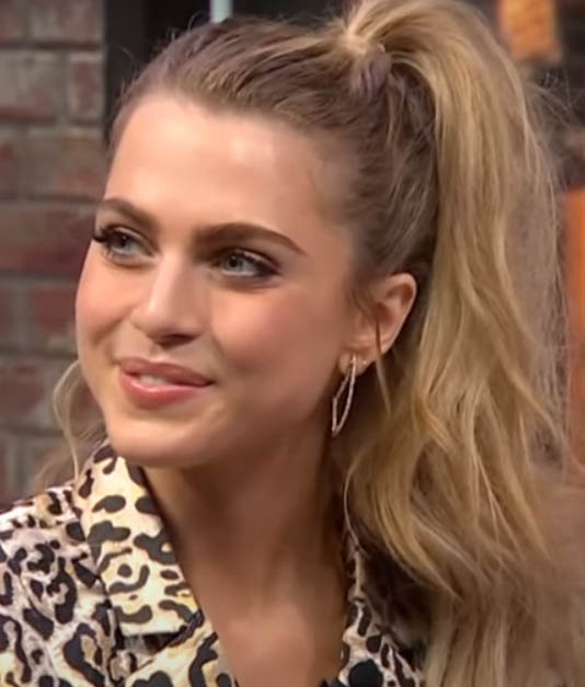 Anne Winters Age, Biography, Wiki, Family, Education, Career, Movies, TV Shows, Height, Awards & Net Worth