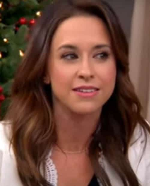 Lacey Chabert Age, Bio Wiki, Family, Education, Career, Movies, TV Shows, Husband, Height, Awards & Net Worth